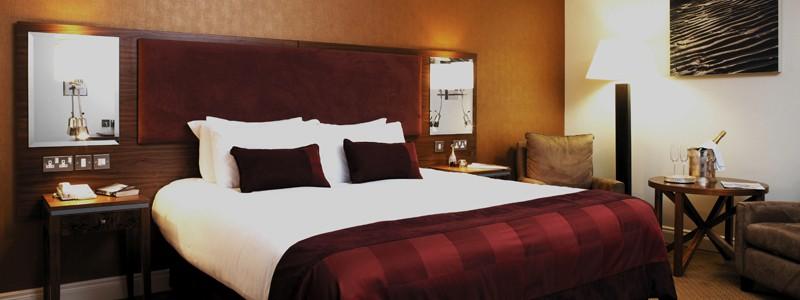 Bedroom Amenities :: Vaughan Lodge