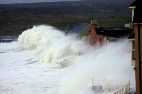Storms batter the promenade at lahinch